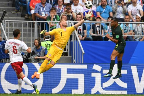 Empate parcial 1-1 entre Dinamarca y Australia