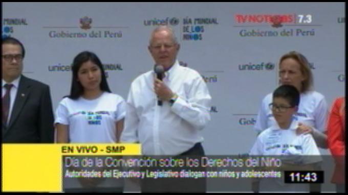 Presidente Kuczynski visita el colegio en el Día Mundial del Niño