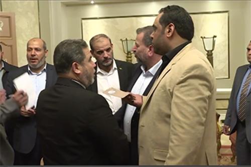 Grupos palestinos piden elecciones a finales de 2018