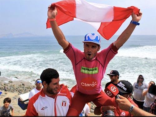 Peruanos ganan medalla de oro en Juegos Panamericanos de Surf