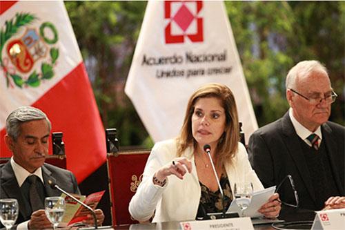 Se logró frenar el avance de la anemia, destaca Mercedes Aráoz