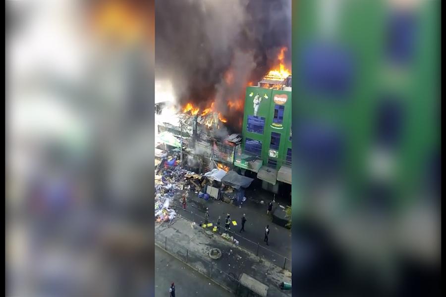 Trujillo: incendio se extiende a edificios comerciales