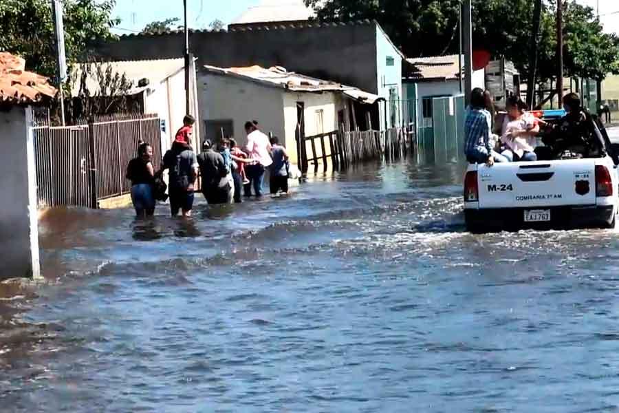 Inundaciones en Paraguay dejan 18,000 damnificados