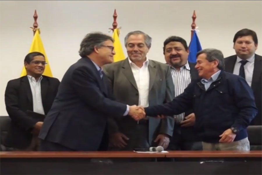 Gobierno de Colombia y ELN retoman diálogos