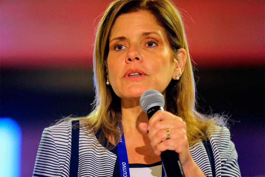 Mercedes Aráoz pide a partidos reflexionar sobre pedido de vacancia