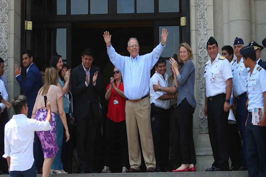 Presidente Kuczynski se despidió de trabajadores de Palacio de Gobierno