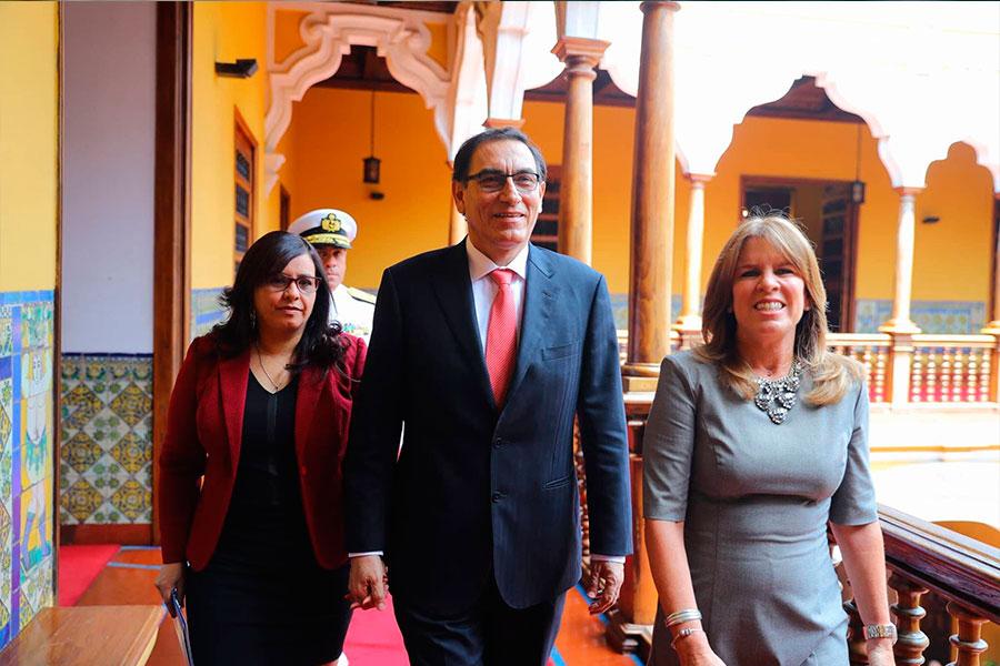 Martín Vizcarra se retira del Palacio de Torre Tagle