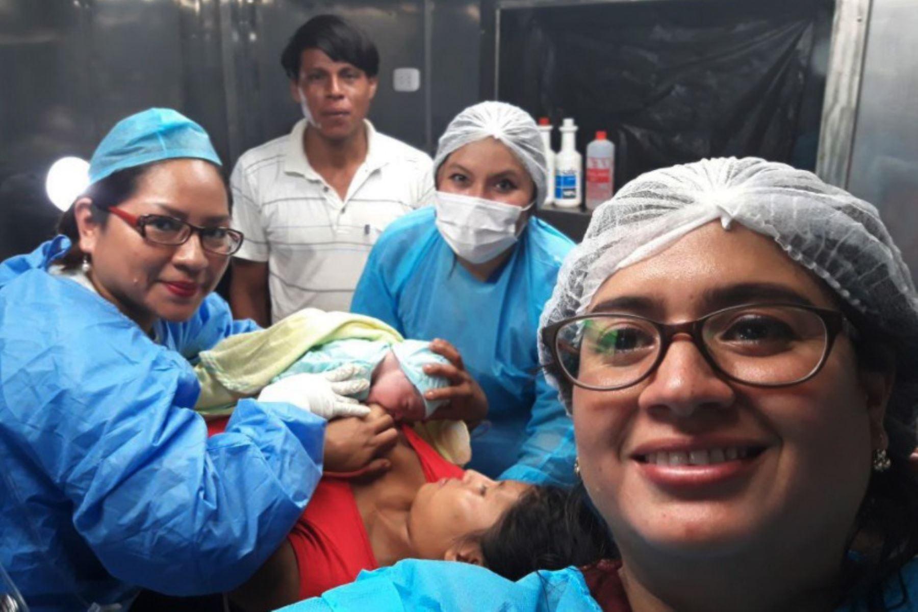 Nacen dos niñas a bordo de embarcaciones PIAS en ríos de Loreto