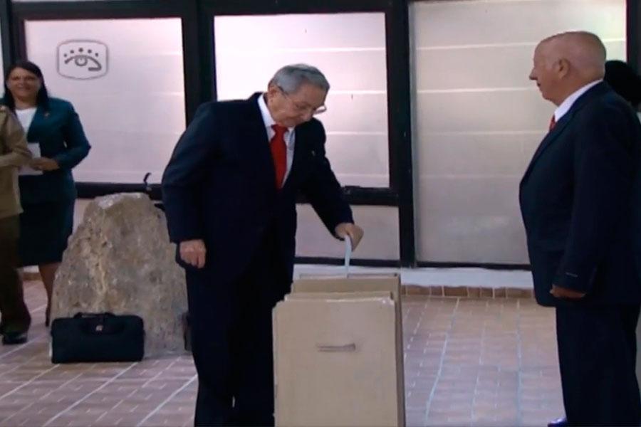 Raúl Castro votó por su sucesor a la presidencia en Cuba