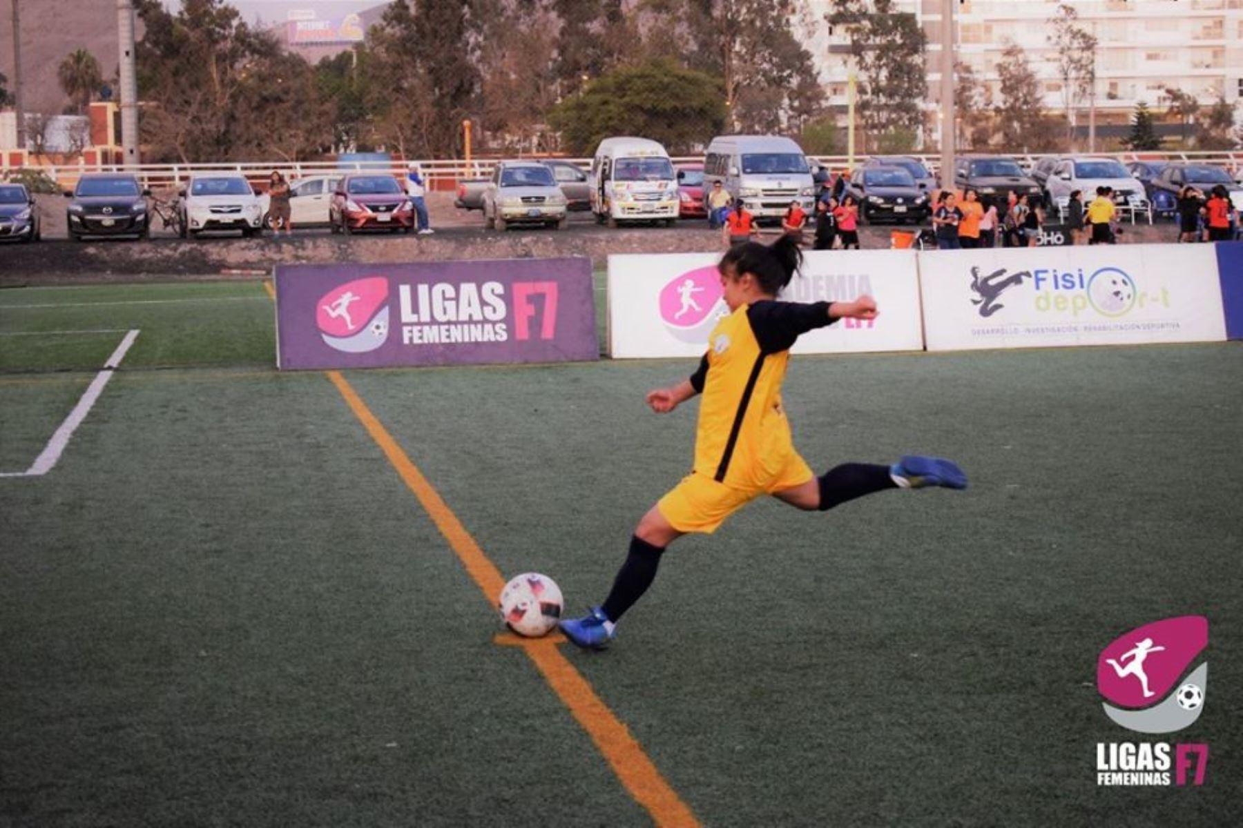 Australia apoyará Liga femenina de fútbol en Perú