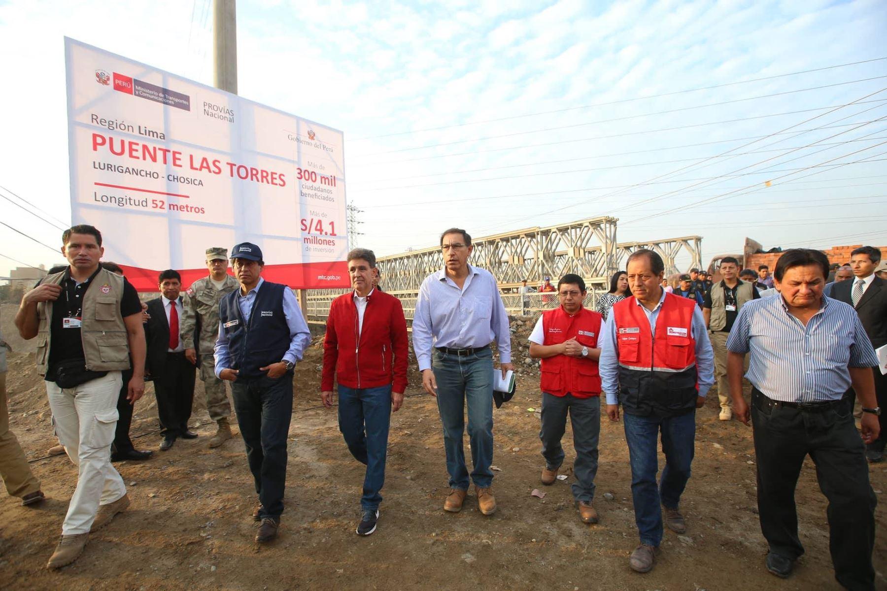 Presidente Vizcarra supervisa funcionamiento de puentes en Huachipa y Naña