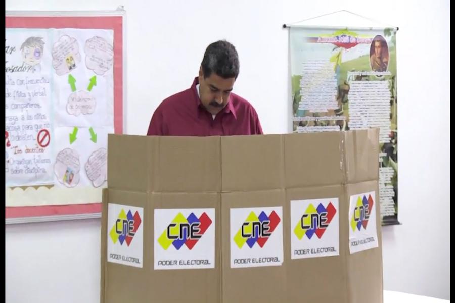 Venezolanos votan en polémicas elecciones