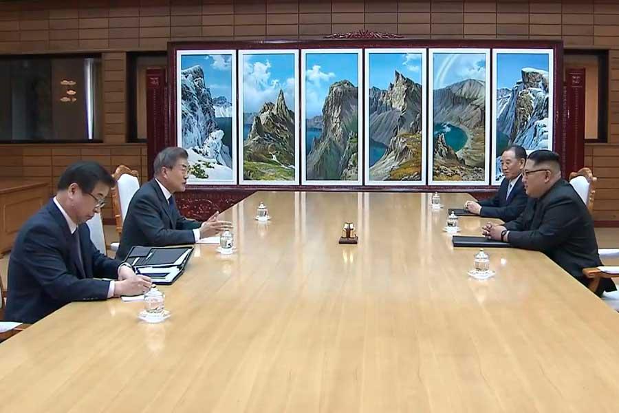 Líderes de las dos Coreas se reúnen tras cancelación de EE.UU. a cita con Kin Jong-un