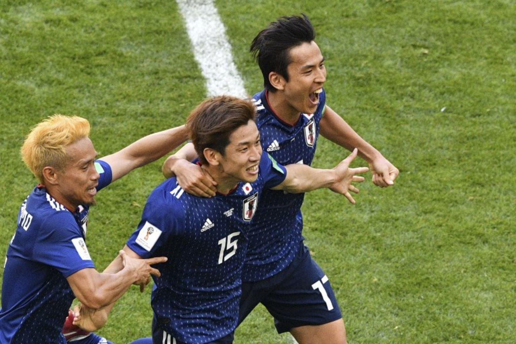 Colombia perdió 2-1 ante Japón y jugó con un hombre menos