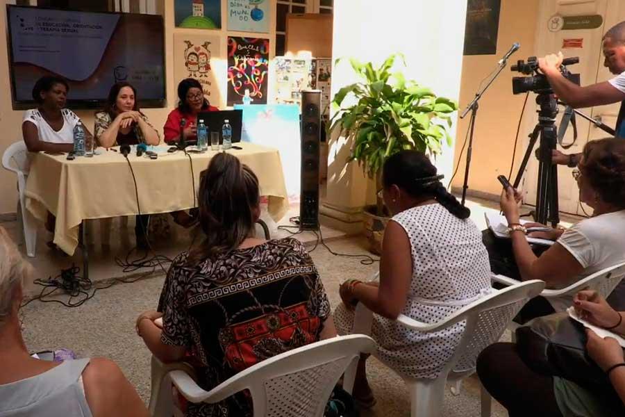 Actual reforma constitucional en Cuba abrirá camino a derechos LGBT