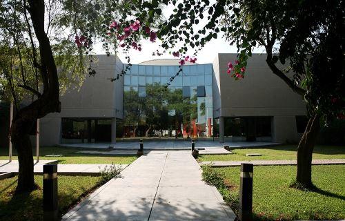 Museo Nacional de Sicán se ubica dentro del Santuario Histórico Bosque de Pómac.