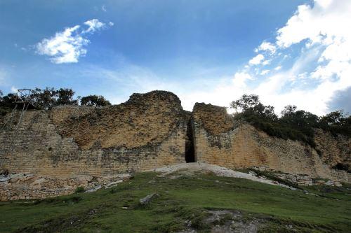 Las telecabinas han potenciado la llegada de turistas a este impresionante sitio arqueológico.