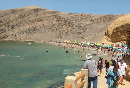 Turistas limeños, en especial, aprovecharán los feriados y días no laborables para visitar Paracas, ubicado en la provincia de Pisco, región, Ica.