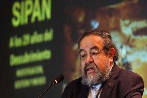 Walter Alva descubridor de los restos del Señor de Sipán y actual director del museo Tumbas Reales.