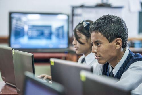 Más de un millón de peruanos podrán acceder a beneficios del servicio de internet de banda ancha.