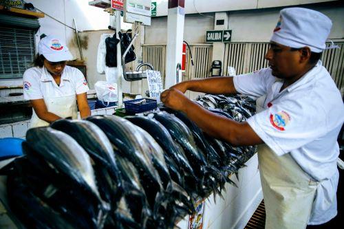 Venta directa de pescado creció exponencialmente, beneficiando a acuicultores y pescadores artesanales.