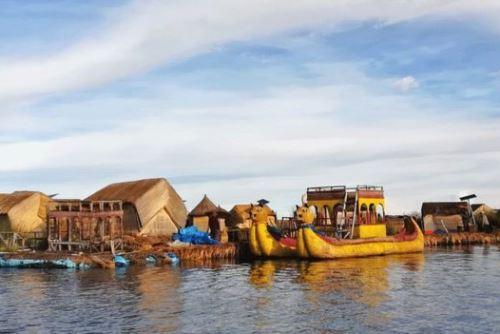 El lago Titicaca ofrece contacto con la naturaleza y turismo vivencial.