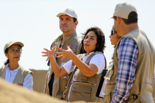 Ministra de Cultura, Patricia Balbuena, se ha mostrado interesada en los trabajos arqueológicos que se realizan en Chan Chan.