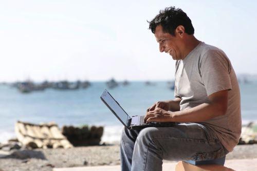Servicio de internet de alta velocidad permitirá a tacneños conectarse en tiempo real con el resto del país.