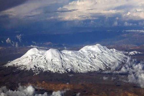 El Coropuna es el nevado más grande de la región Arequipa. Foto: Inaigem