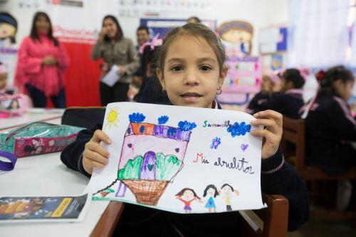 Los niños mostraron su arte sobre la revaloración de los adultos mayores.