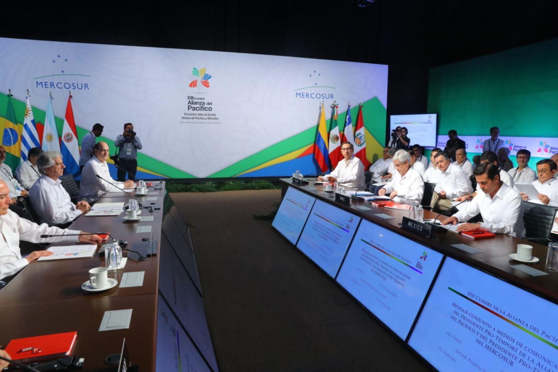 Reunión de presidentes del Alianza del Pacifico y del Mercosur. Foto: ANDINA/Prensa Presidencia