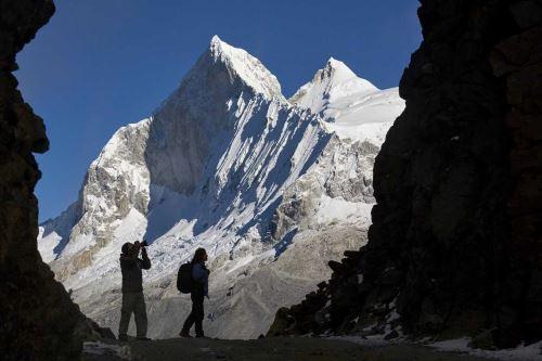 El nevado Huascarán es el más alto del Perú con 6,768 metros sobre el nivel del mar. Foto: Sernanp