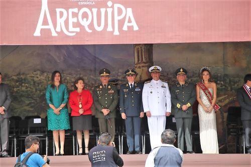 Autoridades regionales y locales de Arequipa participaron en ceremonia.