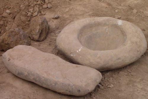 También se hallaron objetos cerámicos y líticos cerca de Wariwillka.