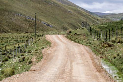 Las obras de construcción de la carretera registran un importante avance.