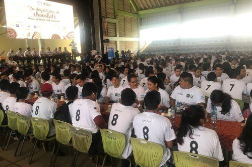 Un total de 797 personas participaron en prueba para lograr el record Guinness en Pucallpa.