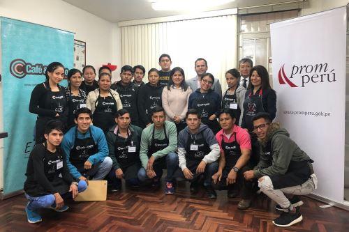 18 representantes de organizaciones y empresas de café participan de capacitación.