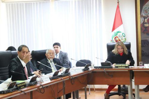 Director ejecutivo de la ARCC, Edgar Quispe, se presentó ante comisión de seguimiento del Congreso de la República.