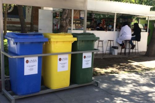 Se ha reducido la cantidad de residuos plásticos que se produce dentro de la UNSA.