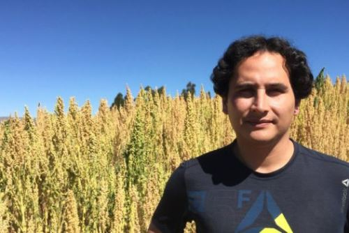 Jonathan Contreras afirma que pequeños agricultores enfrenta problemas para obtener buenos precios. Foto: BBC Mundo