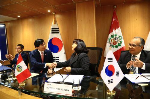 Perú y Corea firman convenio para ejecutar proyecto de Ciudad Inteligente en la ciudad de Piura.