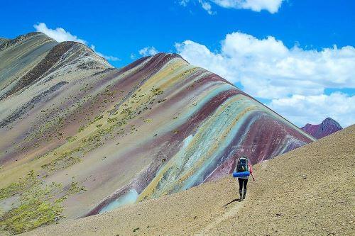 Buscan consolidar y preservar la montaña Vinicunca como destino turístico.