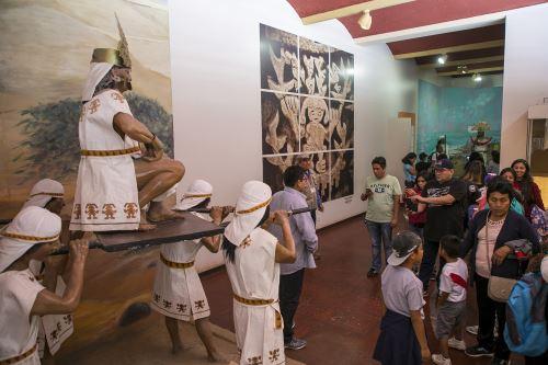 Como parte del programa Museos Abiertos se realizaron actividades culturales en Chan Chan.