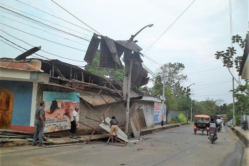 Defensa Civil evalúa el daños causado por los vientos fuertes y granizo en Tarapoto.