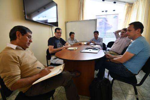 Expertos franceses visitaron las instalaciones del OVI de Arequipa para evaluar trabajos de cooperación.