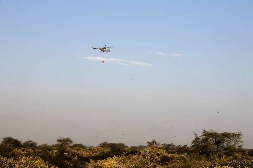 Helicóptero con sistema Bambi Bucket culminó su operación en Santuario de Pómac.