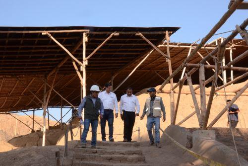 Viceministro Felipe Villacorta supervisó en julio pasado el avance de los trabajos de rehabilitación en Ventarrón.