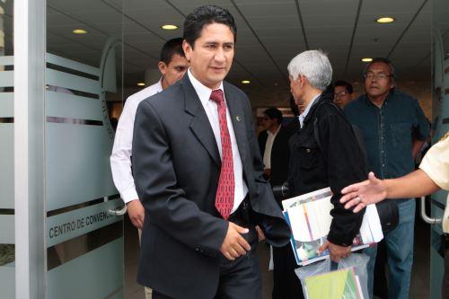 Vladimir Cerrón retorna como máxima autoridad regional de Junín después de un período.