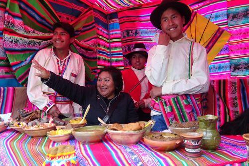 Escolares de Puno elaboraron platos típicos a base de productos nativos.