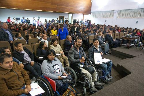 El Midis trabaja para garantizar derechos para que más personas accedan a servicios básicos.